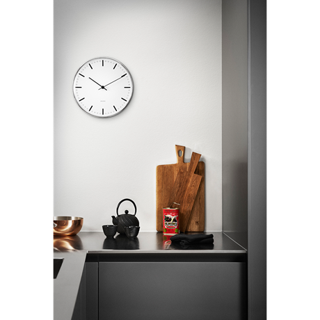 city-hall-wall-clock-oe16-5-cm-black-white-arne-jacobsen-city-hall