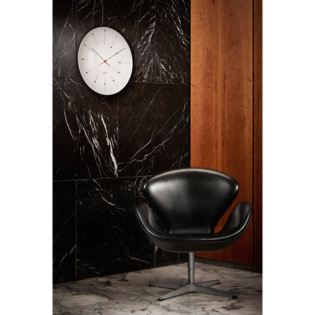 bankers-wall-clock-oe21-cm-white-black-red-arne-jacobsen---wall