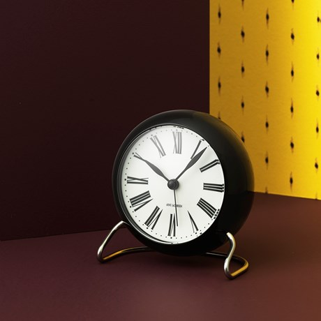 roman-table-clock-oe11-cm-white-black-arne-jacobsen-roman