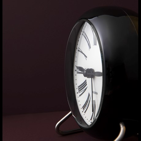roman-table-clock-oe11-cm-black-white-arne-jacobsen-roman