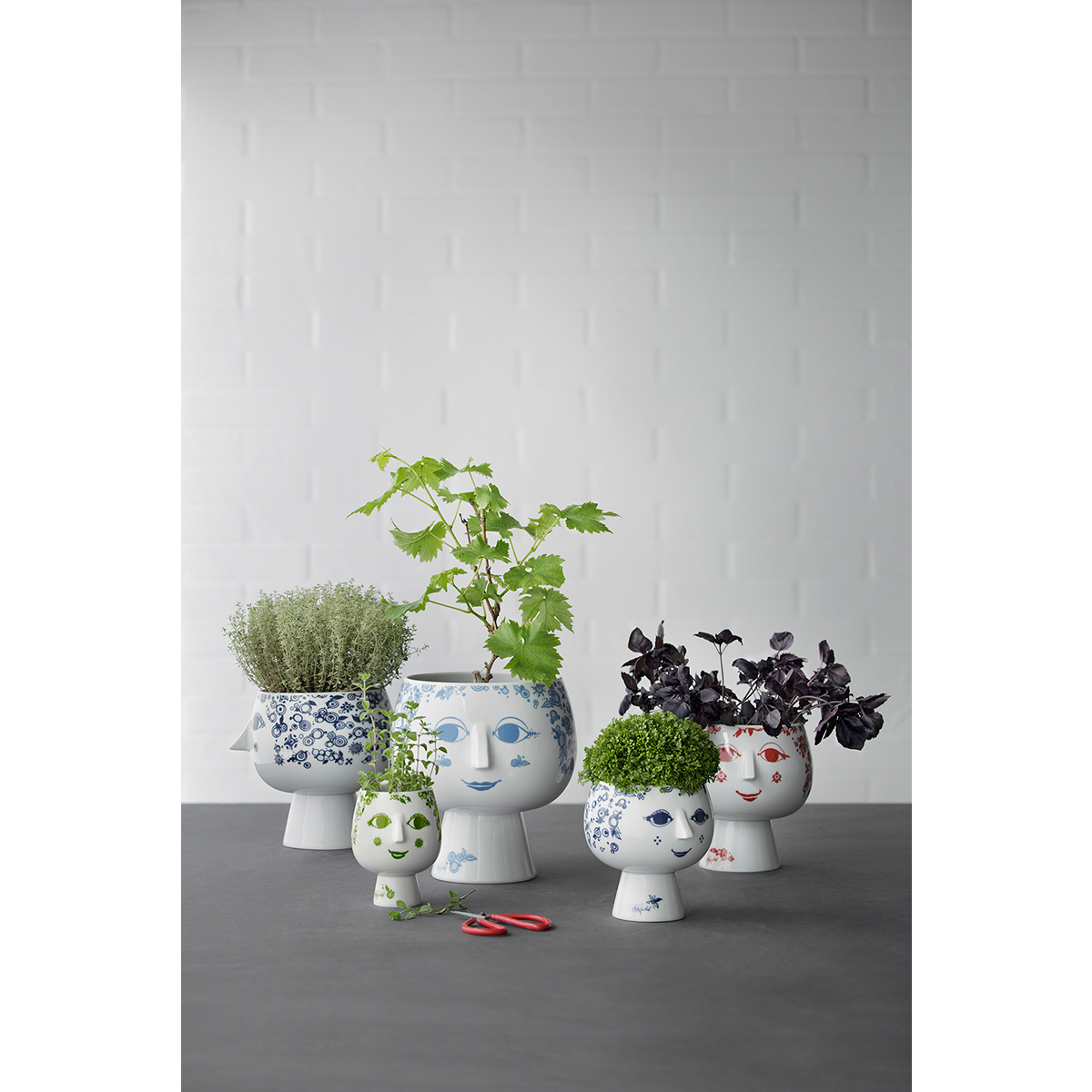 Juliane Pot Plant Holder With Base