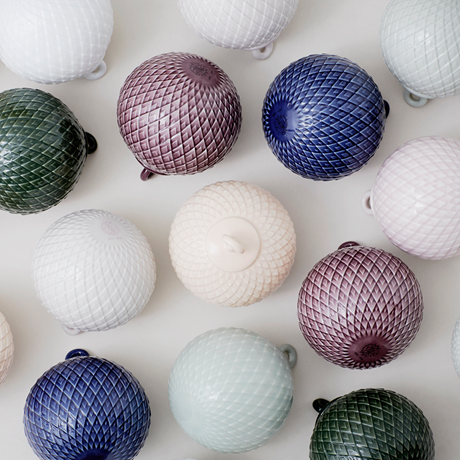 rhombe-decoration-bauble-oe7-cm-grey-porcelain-rhombe