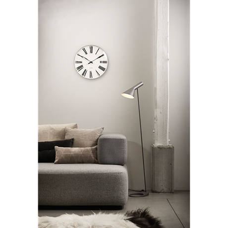 roman-wall-clock-oe29-cm-white-black-arne-jacobsen-roman