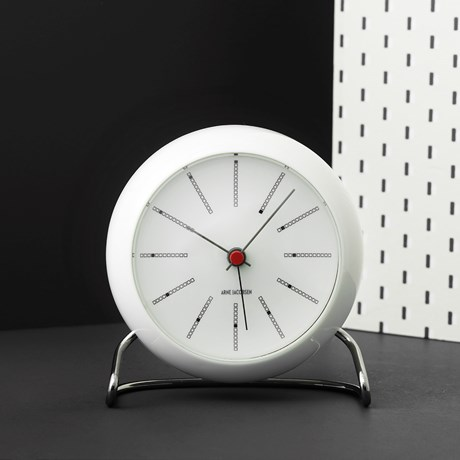 bankers-table-clock-oe11-cm-white-arne-jacobsen---wall